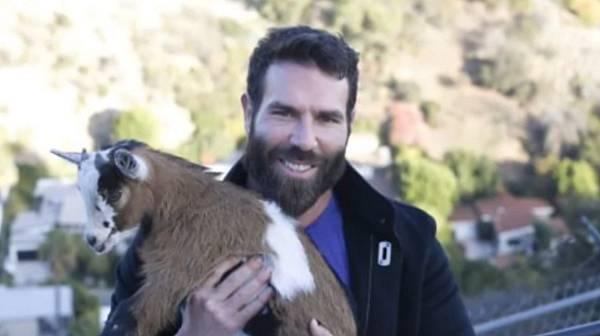 Dan Bilzerian má za kámošku kozu