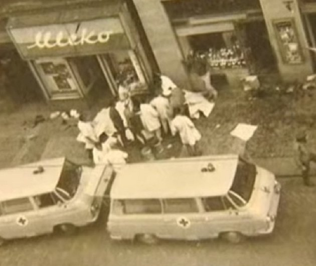 Tři lidé zemřeli na místě, tři po převozu do nemocnice a dva po na následky zranění.
