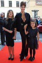 Iva Kubelková s dětmi