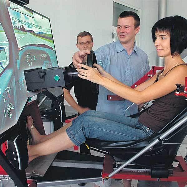 Simulátor si včera vyzkoušela i Ivona Mirosničenková.