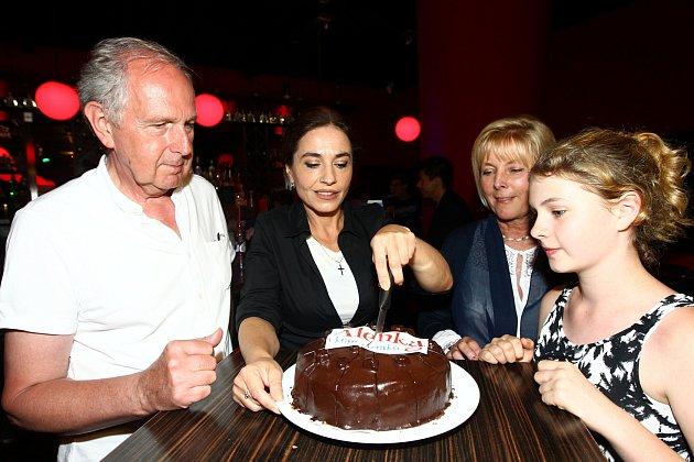 Slavnostní krájení dortu.