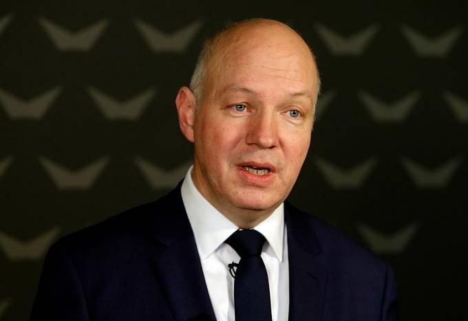 Bývalý senátor Pavel Fischer oznámil svou kandidaturu mezi prvními.