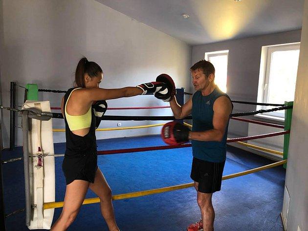 Monika Leová není žádná nanynka, ale nebojí se ani bojových sportů.