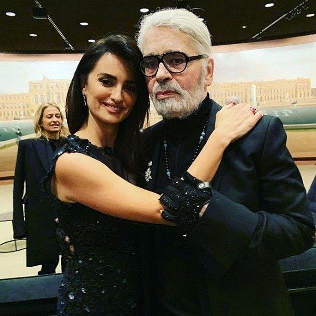 Karl Lagerfeld a Penelope Cruz