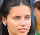 Adriana Lima bez make-upu.
