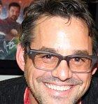 Herec Nicholas Brenton se snažil prosadit už od mládí, povedlo se mu to ale až díky seriálu Buffy, přemožitelka upírů. Ve filmech moc nehraje, za to se uchytil u dalšího seriálu Myšlenky zločince, kde sklízí úspěchy.