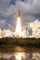 Z Cape Canaveral startují raketoplány na vesmírné mise.