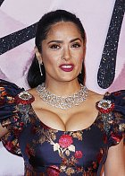 Salma Hayek se objevila na akci The Fashion Awards v Londýně...
