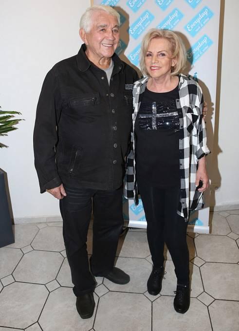 Jiří Krampol se svou manželkou Hankou