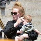 Adele svého syna miluje nadevše.