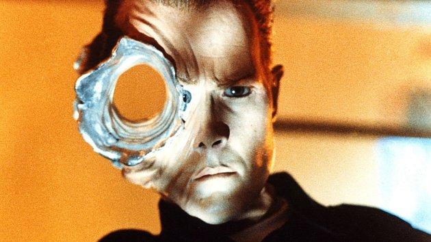 Prostřelená hlava? Pro tekutého robota z Terminátora žádný problém.