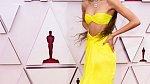 Zendaya oblékla kanárkově žluté šaty značky Valentino.