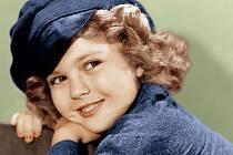 Vmuzikálu Dimples (1936) zvládla všechny pěvecké party sama.