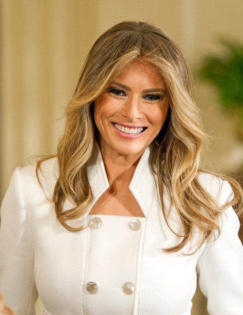 Manželka Trumpa si libuje vluxusním oblečení, ale stím, co má ráda, se musí překvapivě rozloučit.