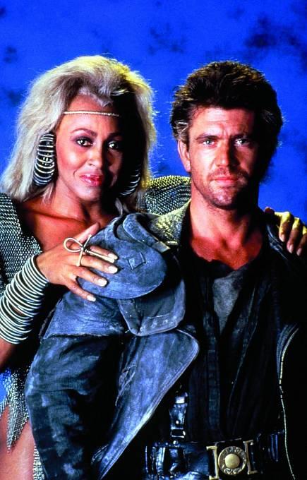 SMelem Gibsonem vesci-fi Šílený Max aDóm hromu (1985).