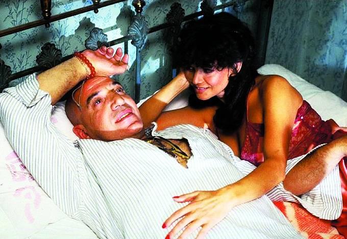 Při natáčení komedie Útěk doAtén (1979) se ocitl vposteli sClaudií Cardinale.