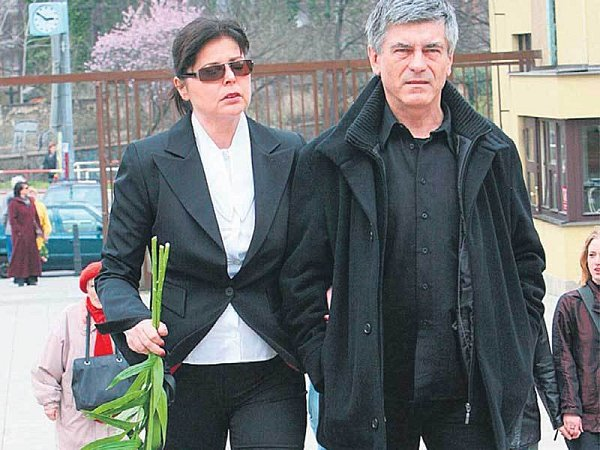 Bývalý člen Olympiku Ladislav Klein smanželkou Andreou Čunderlíkovou pohřeb nesli opravdu těžce.