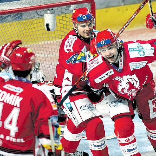 Jsme nejlepší na Moravě, radují se třinečtí hokejisté, na něž v play off čekají jen české týmy.