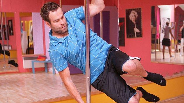 Redaktor Šípu Lukáš zjistil, že tanec u tyče není vůbec nic jednoduchého...