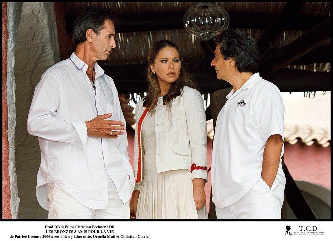 Menší roli si zahrála v  komedii Dovolená po francouzsku (2006).