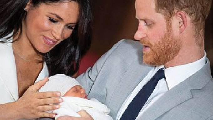 Princ Harry a Meghan Markle cover