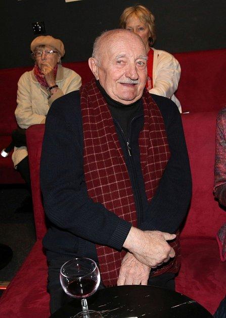 Herec Josef Somr je životní optimista, ikdyž mu občas do smíchu nebylo.