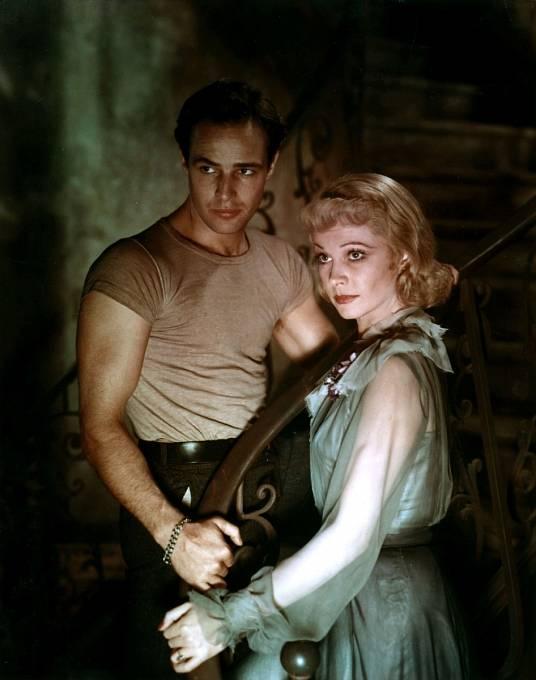 Vivien aMarlon Brando voscarovém filmu Tramvaj do stanice Touha (1951).