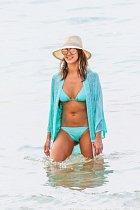 Jessica Alba si vyrazila na dovolenou...