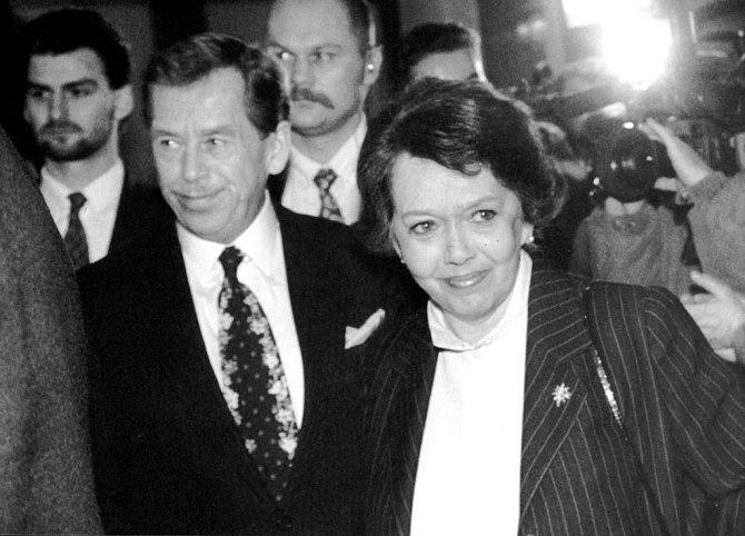 Jak šel čas s Jiřinou Jiráskovou: V roce 1993 s Václavem Havlem