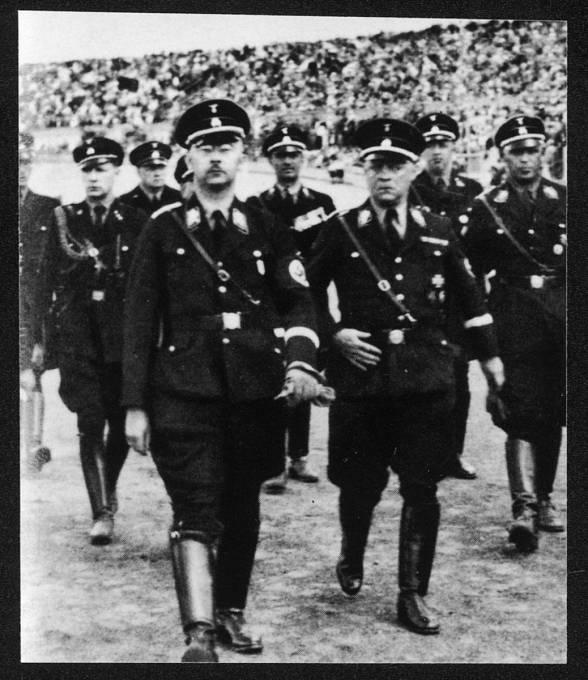 Himmler byl posedlý historií a okultními vědami.