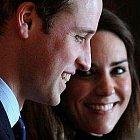 Princ William, zřejmě budoucí anglický král, se svou snoubenkou Kate Middleton.