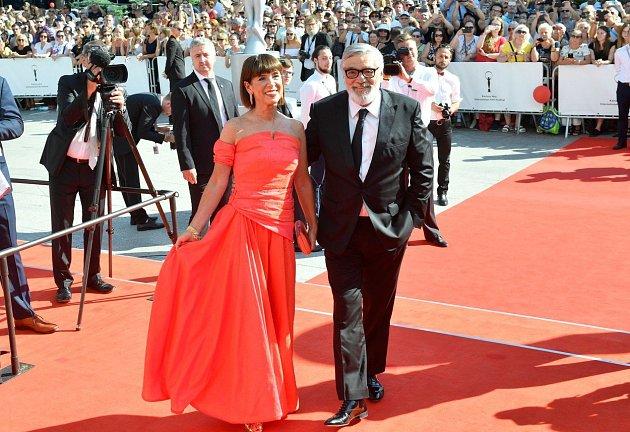 Prezident festivalu Jiří Bartoška s manželkou Andrey