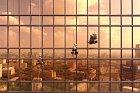 I v mytí oken mrakodrapu může být jistá krása.