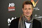Brad Pitt v poslední době vypadá unaveně.