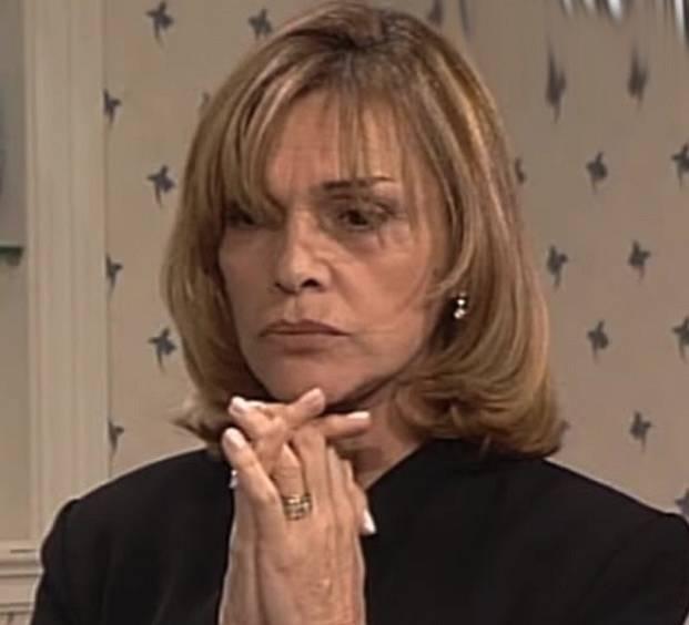 Ta největší čůza na celém světě. Luisa DiCarlo Rapallo. Je ekvivalentem zla, pohrdá služkami a je nešťastná. Jenže místo toho, aby řešila sama sebe, vybíjí si vztek na druhých. Několikrát fyzicky napadne Milagros.