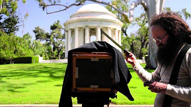 Barret je nyní specialista na staré fotografické techniky.