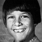 Tom Cruise v mládí nebyl klukem, kterému ctitelky padají k nohám.