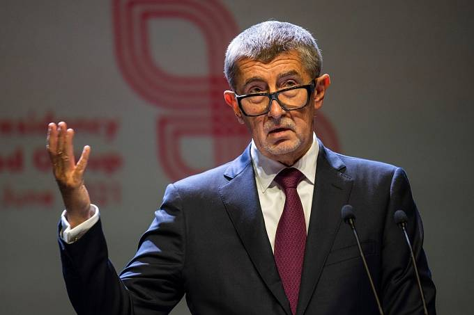 Andrej Babiš se mezi politiky propadl na Facebooku až na třetí místo.