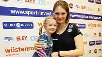 Kateřina Emmons má od včera kromě dcery Julie také syna Martina Henryho.