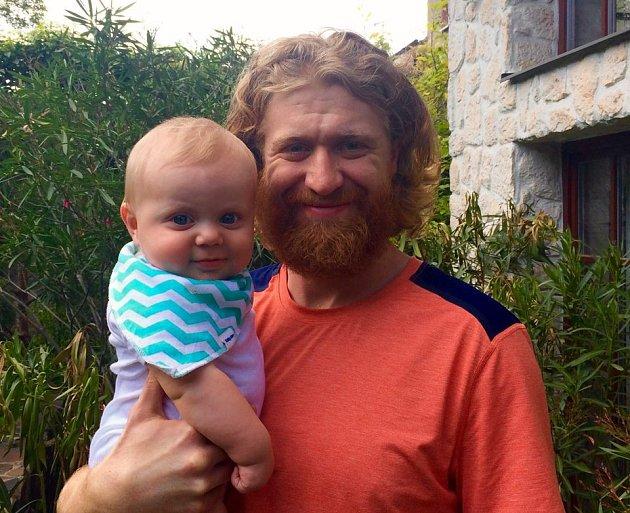 Malý Kubík je malou kopií svého tatínka.