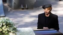 Karel Gott chybí nejen své manželce Ivaně Ivaně Gottové, ale i dcerám, přátelům a fanouškům.