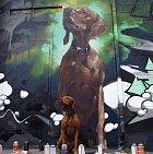 Co může být lepšího, než pes, co má vlastní obraz? Z výrazu psa je jasné, že nic!