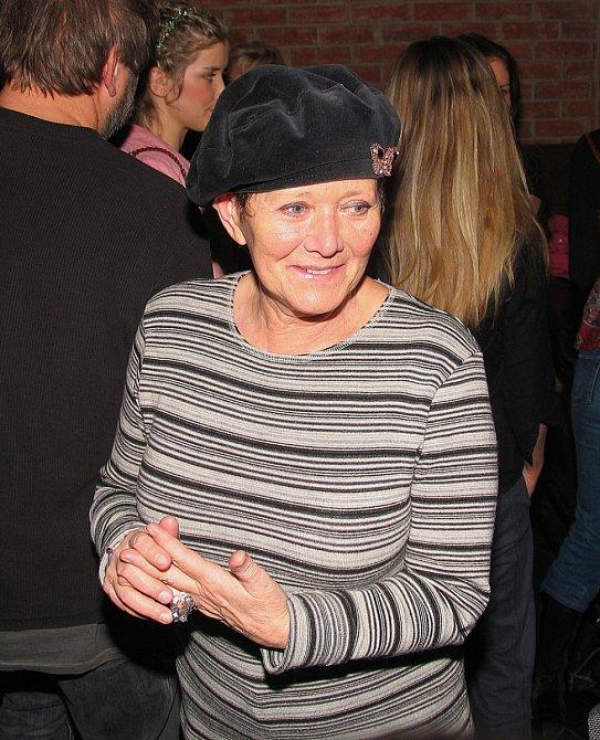 Zdena Hadrbolcová ztvárňuje v Ulici pekařku Růženku a kamarádku Vilmy Nyklové.