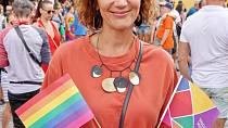 Ester Janečková je známá svojí podporou LGBT+ komunity.