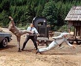 Vefilmu Les  Grandes gueules (1966) uplatnil zápasnické umění.