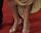 Barbara Walters si poněkud zapomněla oholit nohy.