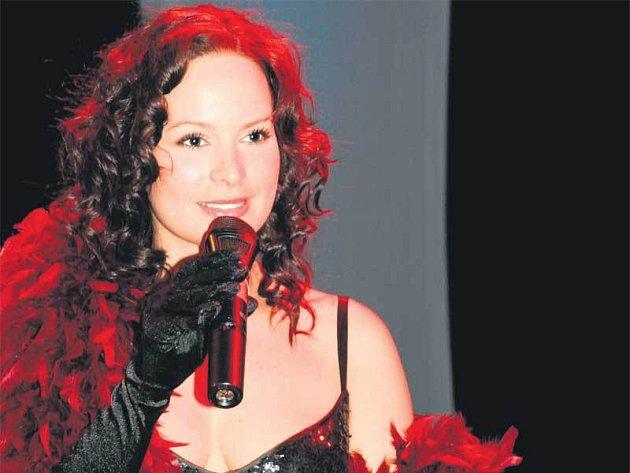 Jitka Čvančarová svým zpěvem i výrazem v lázních všem vzala dech.