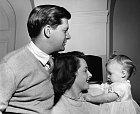 Tony Bartley těžce nesl slávu ipověst své ženy.