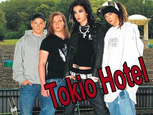 To jsou oni, kluci z kapely Tokio Hotel (zleva): Gustav Klaus Wolfgang Schäfer, Georg Listing, frontman Bill Kaulitz a Tom Kaulitz.