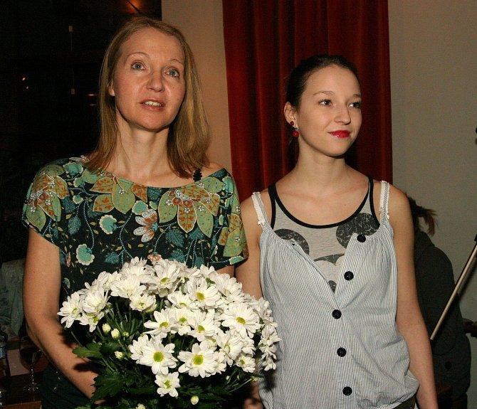 Berenika Kohoutová je dcerou spisovatelky Ireny Obermannové.